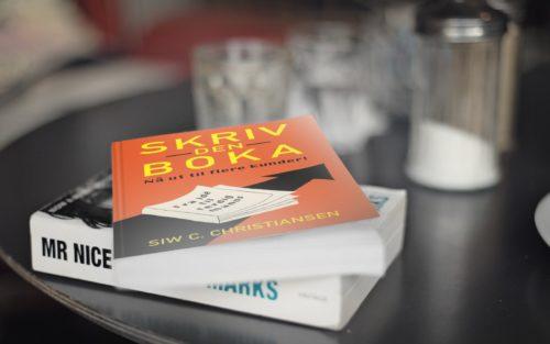 2 bøker